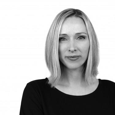 Portrait von Dr. Anika Burkard, Patient & Consumer